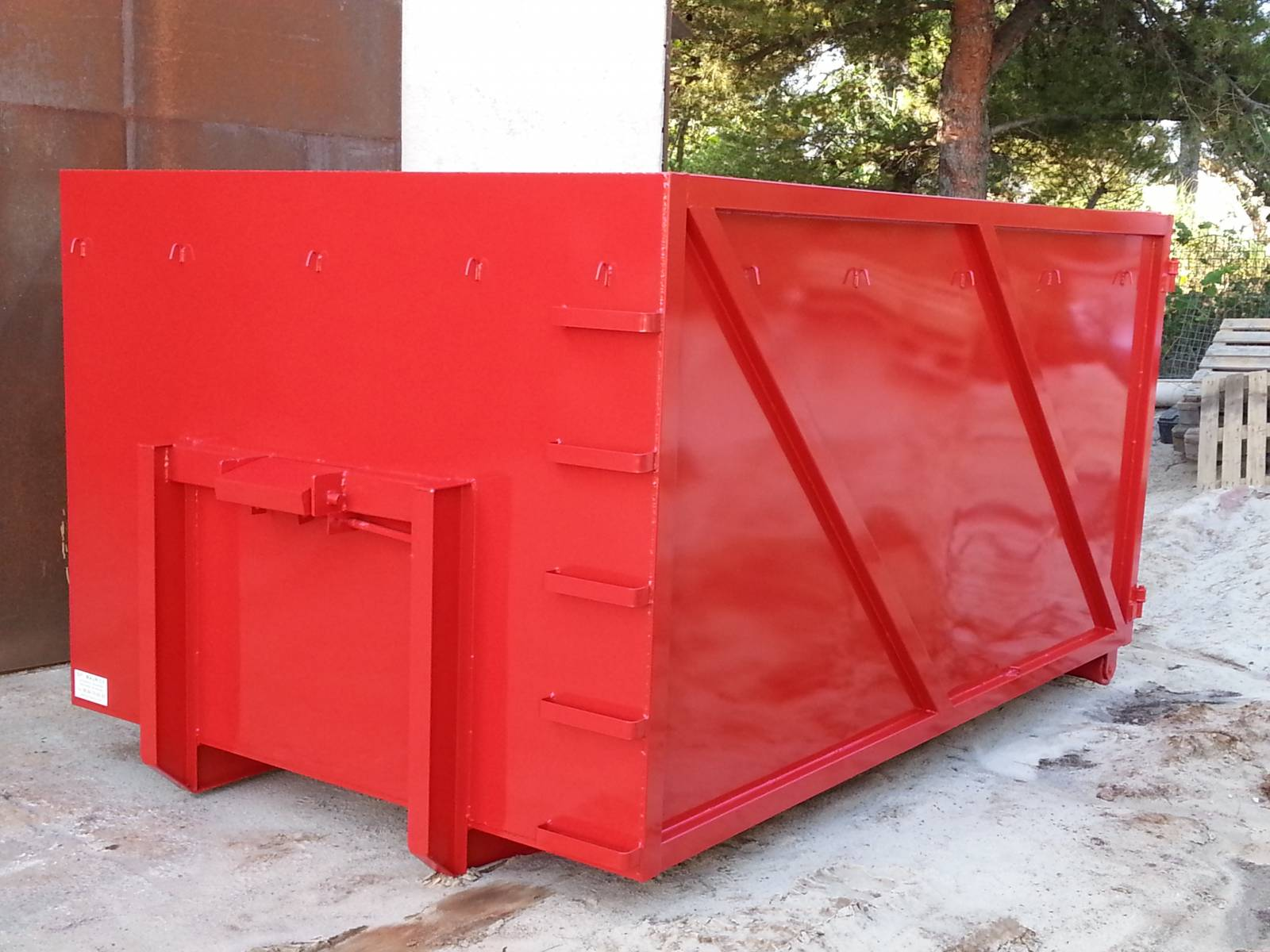 caisson ampliroll pour camion 3 5t r gion sud est fabrication de bennes amovibles sur mesure. Black Bedroom Furniture Sets. Home Design Ideas
